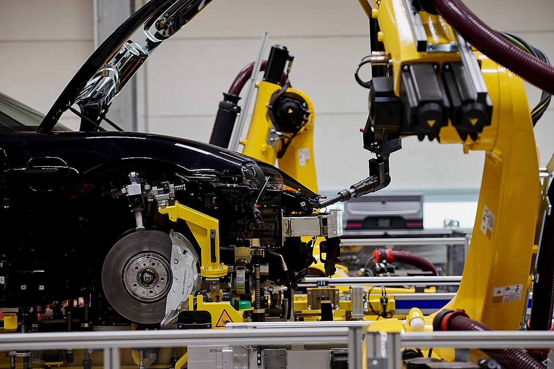 Fahrwerkeinbau Porsche Taycan Leipzig